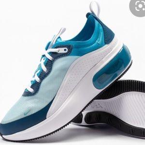 NIB Nike Air Max Dia SE Turquoise Running Shoe